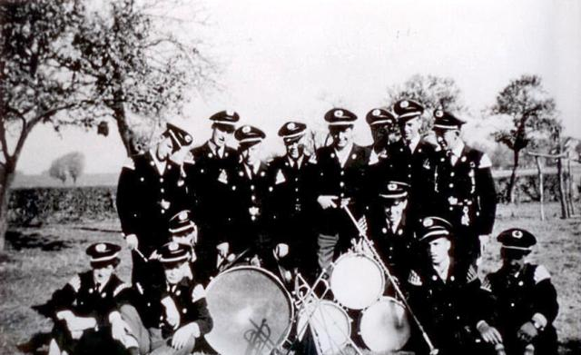 1955 (neue Uniform)